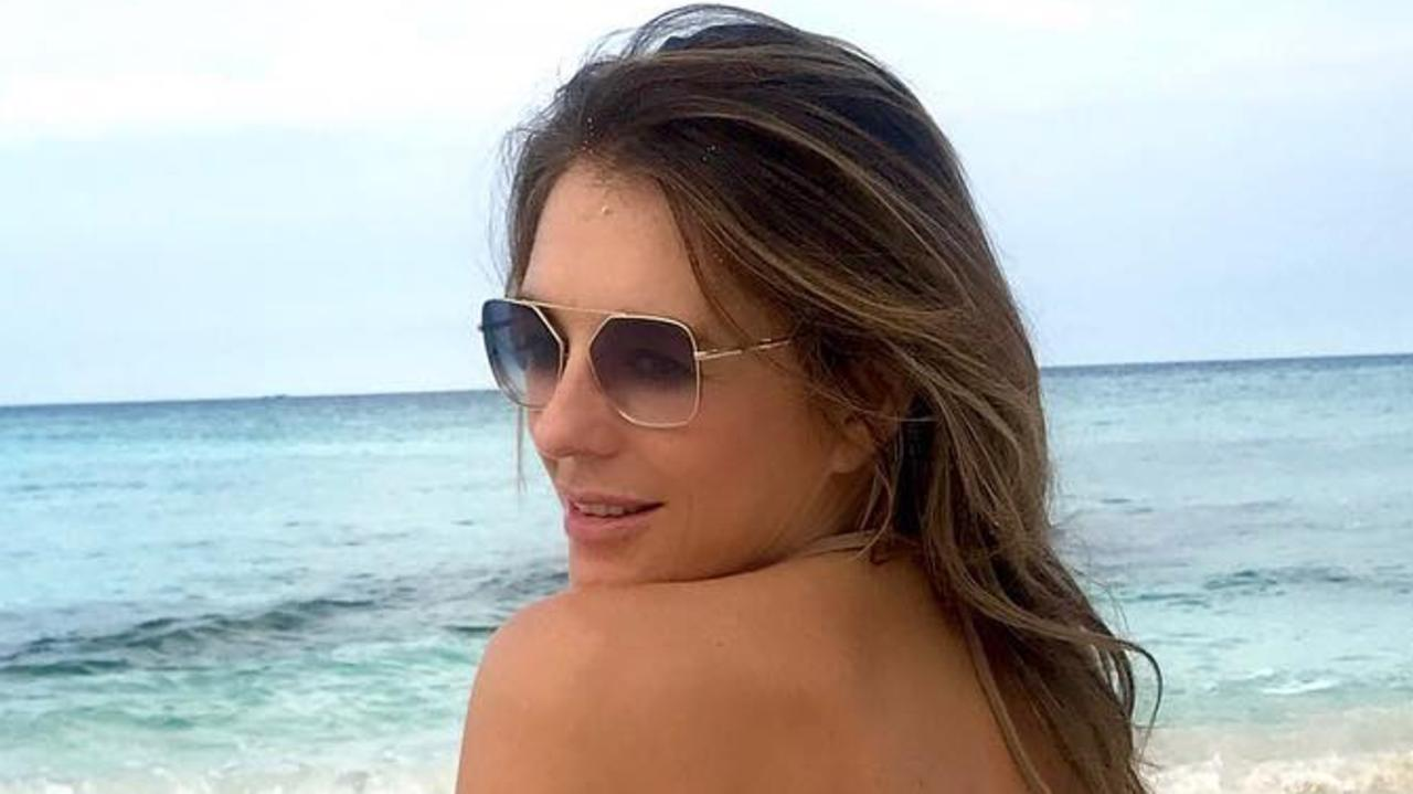 Read more about the article Liz Hurley posts nude Instagram photo in Honey Bikini